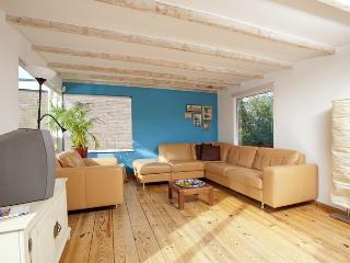 Bright 2 bedroom Condo in Amsterdam - Amsterdam vacation rentals