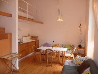 Spanish Steps Via Sistina - A Lovely apartment. - Rome vacation rentals