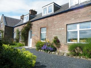 OWL COTTAGE, Jedburgh, Scottish Borders - - Jedburgh vacation rentals