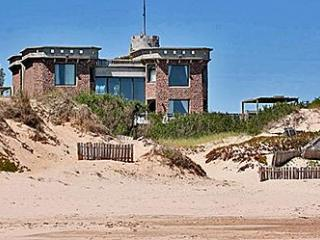 Iconic 5* beach front castle with infinity pool and 5 en suite bedrooms - Punta del Este vacation rentals