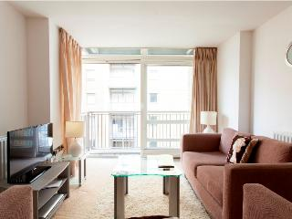 Moore House 02 Bed Aprts in Canary Wharf - Buckhurst Hill vacation rentals