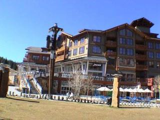 Comfortable Condo with Deck and Fitness Room - Copper Mountain vacation rentals