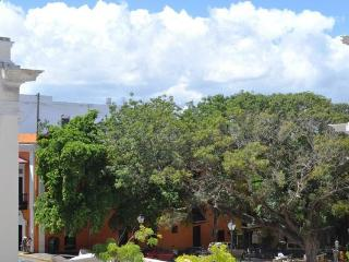 3BR/2BA - Sunny Balcony Rental next to El Convento - San Juan vacation rentals