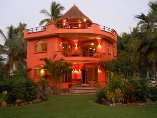 VILLA REYES, Playa Las Tortugas - ocean,pool,kayak - San Blas vacation rentals