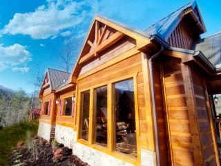A Suite Mountain Retreat - 1BR/1BAw/Loft, Sleeps 6 - Pigeon Forge vacation rentals
