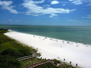 BEACHFRONT CONDOS WITH PANORAMIC VIEW *JAN SPECIAL - Marco Island vacation rentals