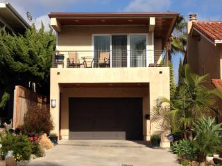 Cozy 3 bedroom House in Pacific Beach with Deck - Pacific Beach vacation rentals