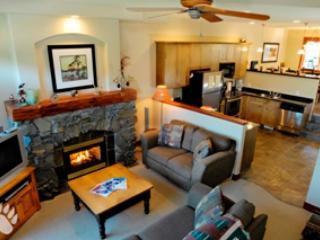 Living Room - Powder Ridge Townhouses - 06 - Sun Peaks - rentals