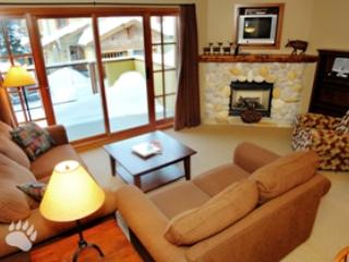 Living Room - Trail's Edge Townhouses - 17 - Sun Peaks - rentals
