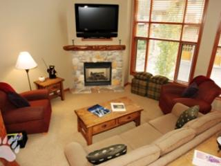 Living Room - Trail's Edge Townhouses - 15 - Sun Peaks - rentals