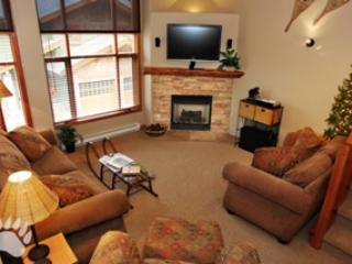 Living Room - Trail's Edge Townhouses - 49 - Sun Peaks - rentals