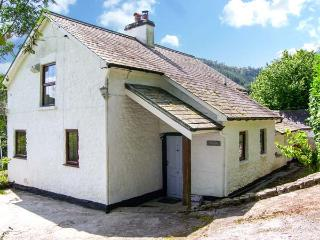 WERN, character cottage, woodburner, country views, near Llandovery, near Llandovery Ref 14850 - Llandovery vacation rentals