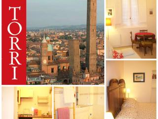 CENTRE+comfortable 4p+ NICE +WiFi - Bologna vacation rentals