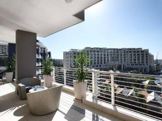 APARTMENT 3 BED - KYLEMORE 410 - Cape Town vacation rentals