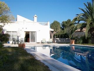 Superb luxury detached Villa close to amenities - L'Ametlla de Mar vacation rentals