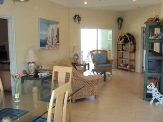 Cayman Stead, 2 BR, 2 bath,BEACH condo,sleeps 6 - North Side vacation rentals