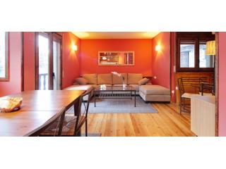 Plaza Garós | Refurbished and ample - Catalonian Pyrenees vacation rentals