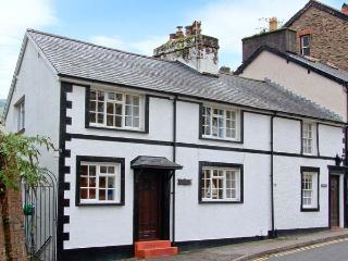 KYNASTON COTTAGE pet-friendly, close to beach and village amenities in Aberdovey Ref 14204 - Trawscoed vacation rentals