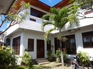 4-5 BedRoom S' Villa in Seminyak. Stay+Sleep+Surf! - Seminyak vacation rentals