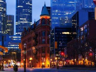 NEW! St Lawrence Market, bright with view - 4+ - Toronto vacation rentals