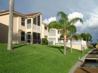 BEST DEAL ON THE CAPE,LOCATED ON WIDE CANAL - Cape Coral vacation rentals
