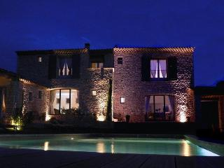 Les Terrasses - Gordes, BnB, room Perle, WiFi, heated pool - Gordes vacation rentals