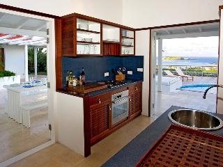 Comfortable 3 bedroom Saint Barthelemy Villa with A/C - Saint Barthelemy vacation rentals