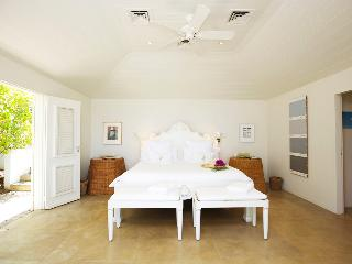 Hill House (BOW) - Camaruche vacation rentals