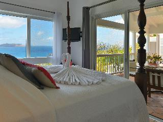 Bright Villa with A/C and DVD Player - Pointe Milou vacation rentals
