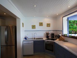 Mandarine Bleue (LEA) - Pointe Milou vacation rentals
