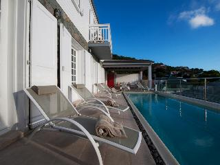 Comfortable 4 bedroom Villa in Gustavia with A/C - Gustavia vacation rentals