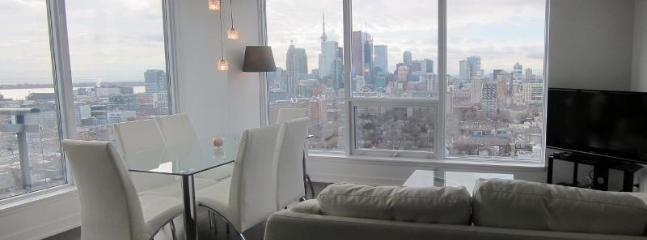 Penthouse Suite w Spectacular View - Image 1 - Toronto - rentals