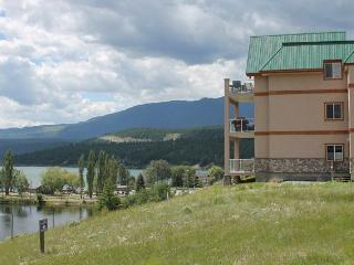 IHP216 - Invermere Lakefront Condos - Heron Point - Windermere vacation rentals