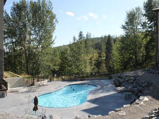 KTC106 - Trickle Creek Condo 3 bedrooms - Panorama vacation rentals