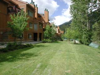 PT0115 - Fairmont Ridge Townhome 3 bedrooms - Radium Hot Springs vacation rentals