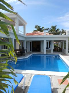 Perfect Villa with Deck and Internet Access - Philipsburg vacation rentals