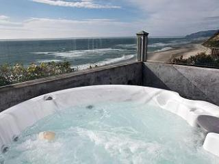 Pirates Lookout -Oceanfront w/ Hot Tub - Lincoln City vacation rentals