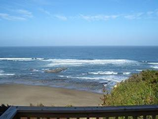Open 8/22-25  Finders Keepers-Hot Tub & Ocean View - Lincoln City vacation rentals