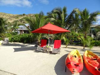 Nice Condo with Deck and Internet Access - Cul de Sac vacation rentals