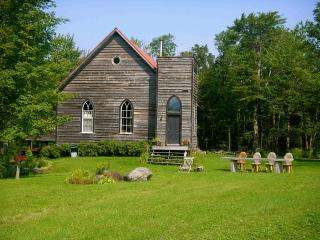 Country house close to Montreal - Saint-Joachim-de-Montmorency vacation rentals