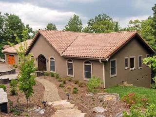 Spanish Contemporary near Downtown & Blue Ridge - Asheville vacation rentals