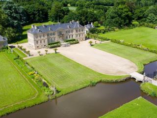 En Normandie: Moulin du 16 è siècle - Negreville vacation rentals