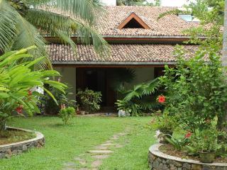 2 bedroom villa in Unawatuna - Habaraduwa vacation rentals