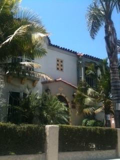 Front of the 1920's Building - Mid Wilshire Corporate Cozy and Family Friendly - Los Angeles - rentals