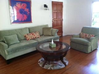 Mid Wilshire Corporate Cozy and Family Friendly - Los Angeles vacation rentals