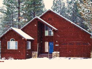 Snowman Haus *Hot Tub* - Truckee vacation rentals