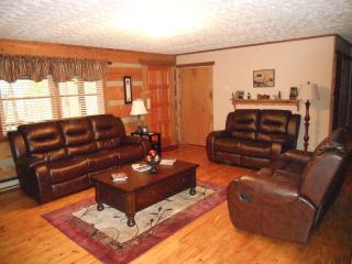 Bluff Mountain Hideaway-Perfect for Your Family - Sevierville vacation rentals