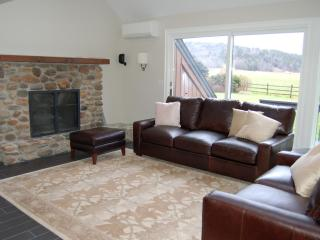 Stowe VT LUX MountainView Retreat - RENOVATED - Stowe Area vacation rentals
