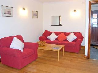 RIDGE COTTAGE, pet-friendly cottage, underfloor heating, country views, near Longwitton Ref 17608 - Longwitton vacation rentals