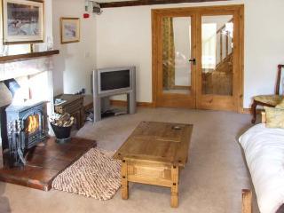 COACHMAN'S COTTAGE, woodburner, off road parking, gravelled garden, in Bradnop, Ref 21189 - Bradnop vacation rentals